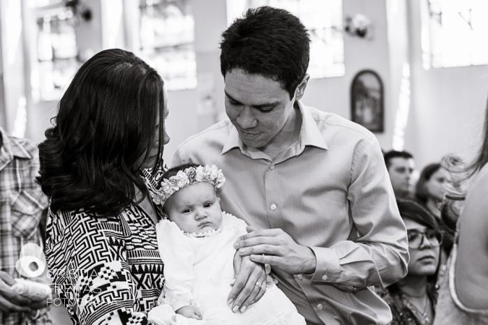 Fotógrafa de Batizado em Contagem - Igreja Matriz São Gonçalo