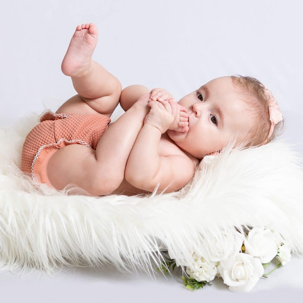 fotógrafa book bebe menina estudio, fotografo book criança betim belo horizonte bh igarape contagem nova lima